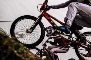 bicycle-riding-1082281_1920